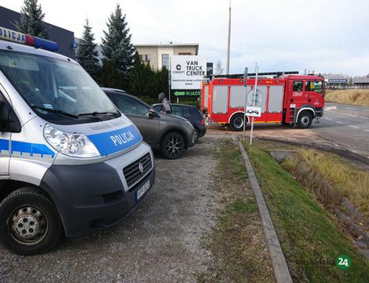 Czołowe zderzenie osobówek w Bielsku-Białej