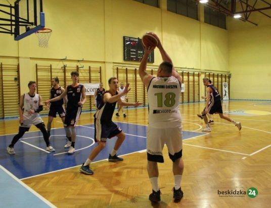 Koszykarze wciąż w grze
