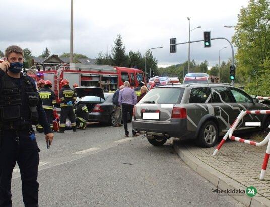 Trzy osoby ranne. Wypadek w Ustroniu (foto)