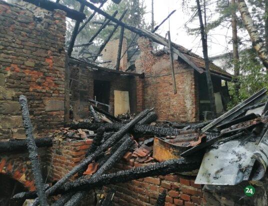 Nocny pożar w Cieszynie. Budynek spłonął doszczętnie (ZDJĘCIA i WIDEO)