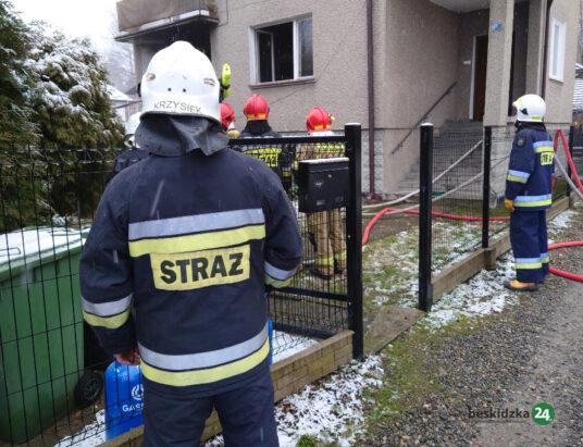 Ligota: Pożar w budynku. W ogniu zginęła kobieta – ZDJĘCIA