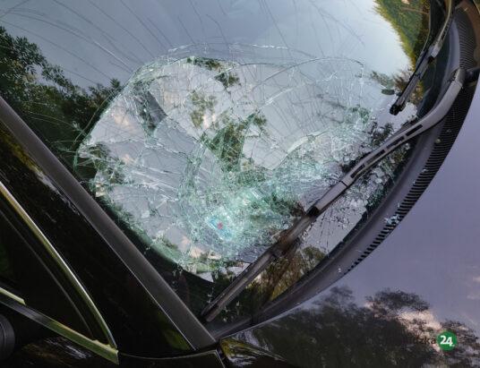 Wypadek w Hałcnowie. Samochód potrącił nastolatkę na przejściu – (zdjęcia)