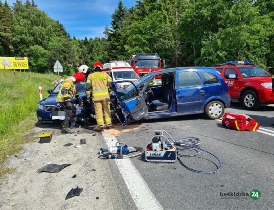 Trzy osoby ranne po wypadku w Naprawie (foto)