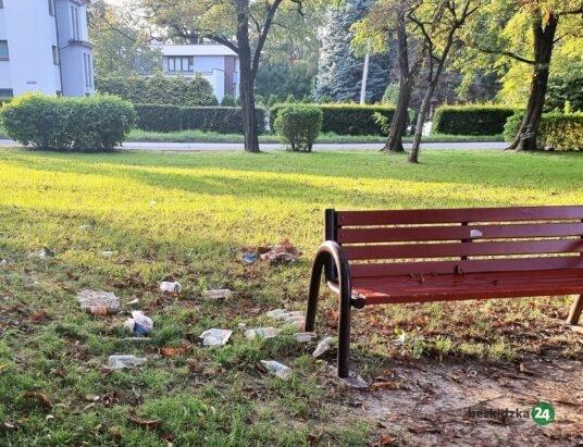 Bielsko-Biała: Śmieci leżą od tygodnia
